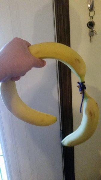 Click image for larger version.  Name:banana hat.jpg Views:4 Size:25.1 KB ID:7555