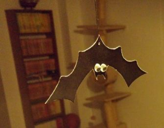 Click image for larger version.  Name:bat.JPG Views:17 Size:18.1 KB ID:15950