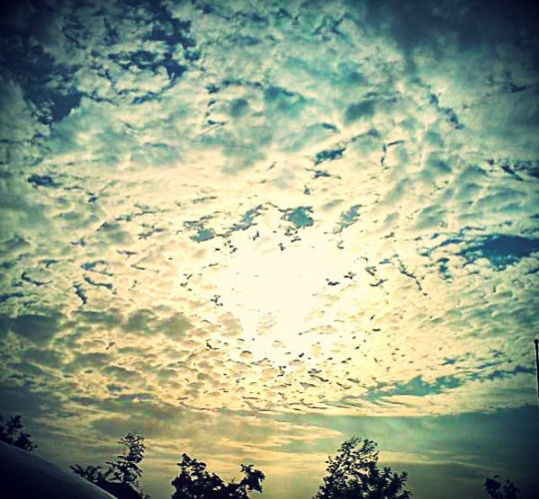 Click image for larger version.  Name:beautifulclouds effects.jpg Views:88 Size:80.5 KB ID:3090