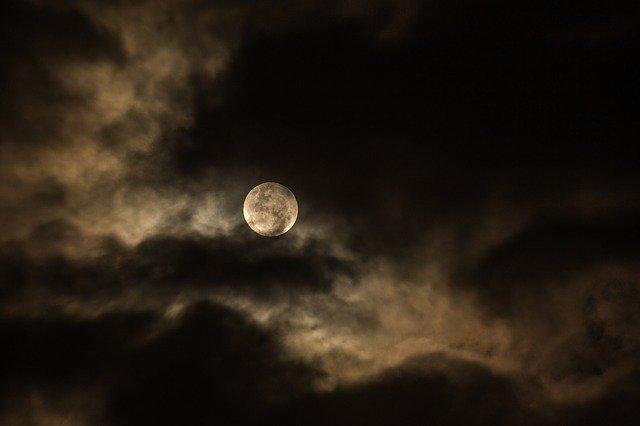 cloudy-1869753_640.jpg