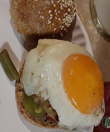 Click image for larger version.  Name:Homemade over easy turkey burger.jpg Views:1 Size:76.2 KB ID:25658