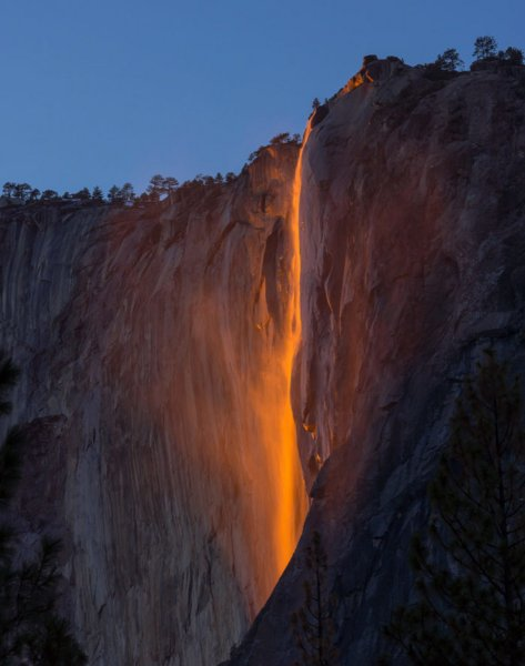 Click image for larger version.  Name:yo-firefall-horsetail-fall_tamjeongraecho_700v.jpg Views:1 Size:37.6 KB ID:26471